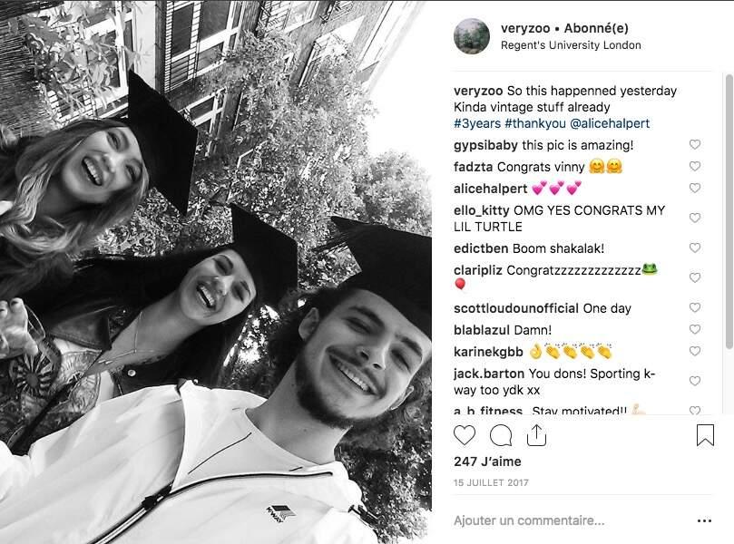 Vincent Zulawski, fraichement diplômé en compagnie de ses amies
