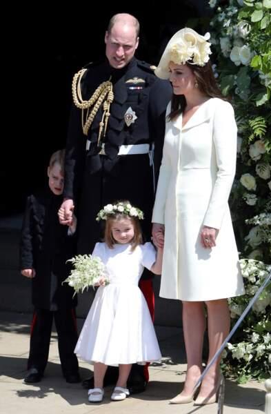 Une jolie photo de famille avec le prince William, Kate et Charlotte