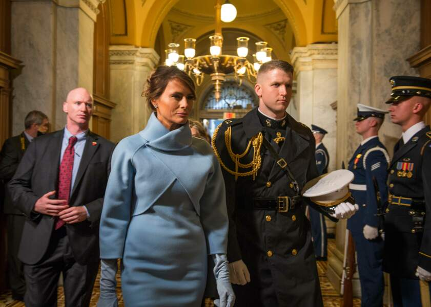 Melania Trump en ensemble Ralph Lauren pour l'investiture de Donald Trump le 20 janvier 2017 à Washington
