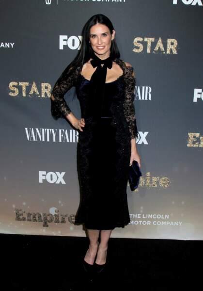 Avec ses cheveux ultra longs, Demi Moore fait plus jeune que son âge.