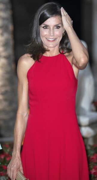 La robe de Letizia d'Espagne mettait en valeur sa silhouette
