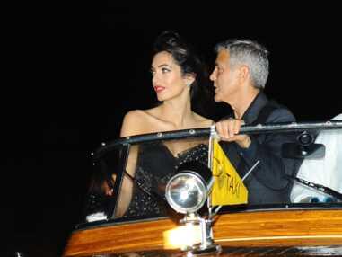 A Venise avec George Clooney, Amal dévoile un corps sublime après la naissance de ses jumeaux