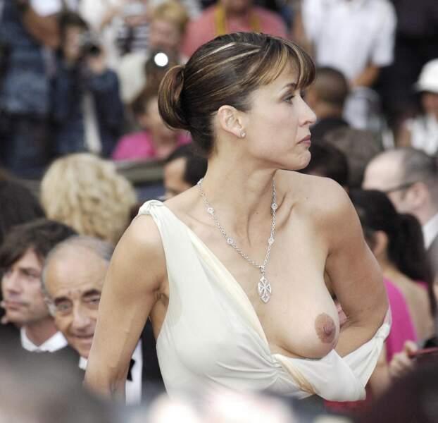 La fameuse bretelle de Sophie Marceau qui lâche lors du festival de Cannes 2005.