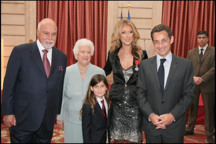 René Angélil, Thérèse Dion, René-Charles et Céline Dion avec Nicolas Sarkozy à l'Elysée en 2008