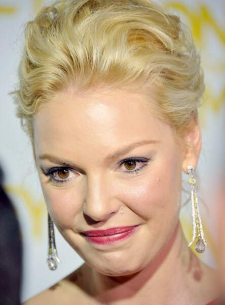Un make-up violine comme Katherine Heigl