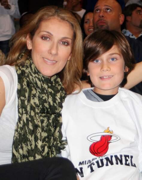 René-Charles Angélil, le fils aîné de Céline Dion a montré très tôt des signes de précocité.