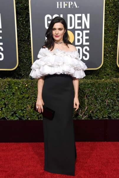 Rachel Weisz, en robe Celine by Hedi Slimane, sur le tapis rouge des Golden Globes, le 6 janvier 2019 à Los Angeles