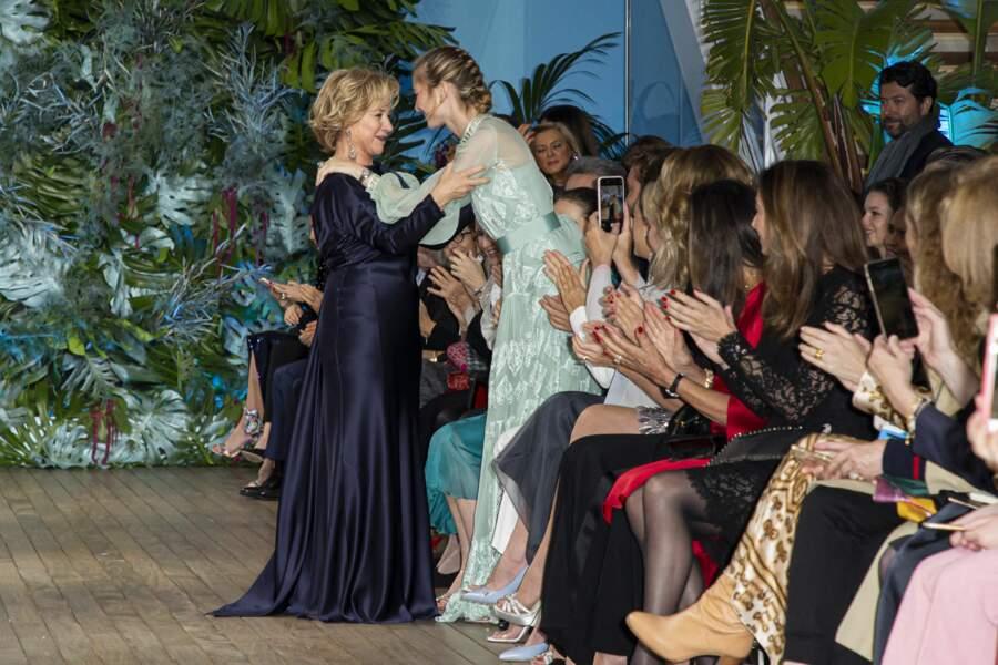 Béatrice Borromeo, la nouvelle reine de la mode sur le Rocher  félicite Alberta Ferretti
