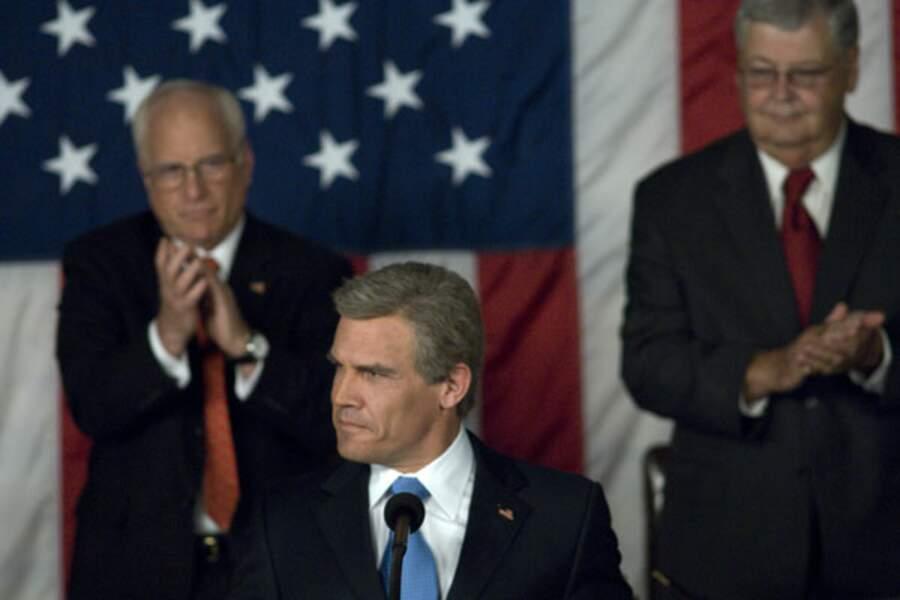 Oliver Stone a choisi Josh Brolin pour camper George W. Bush dans W. : L'Improbable Président, en 2008