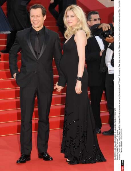Laetitia Casta enceinte avec Stefano Accorsi en mai 2009