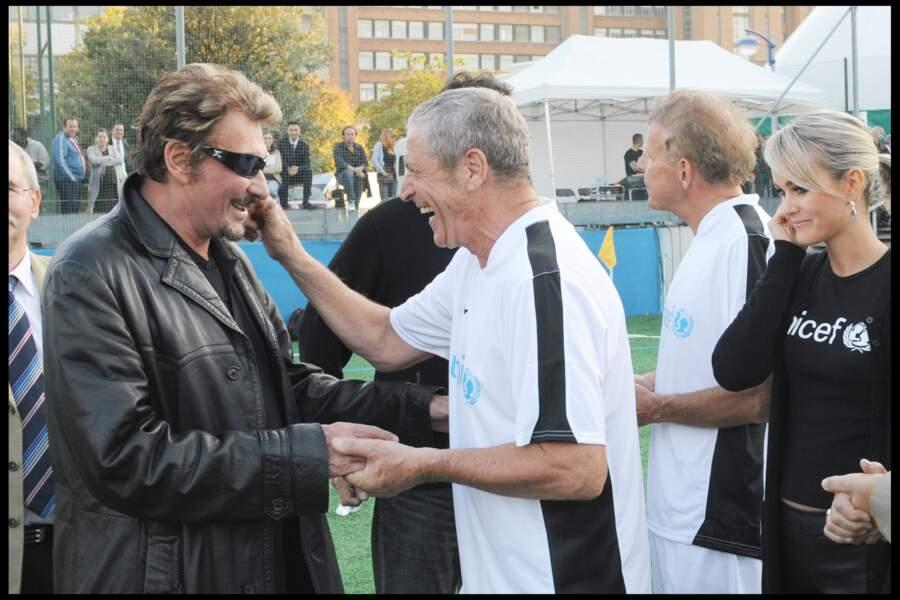 Johnny Hallyday et Jean-Claude Darmon (avec PPDA et Laeticia) lors d'un match de foot au profit de l'UNICEF en 2009