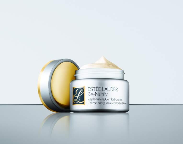 Parmi ses crèmes cultes, Karin Viard est fidèle à la Crème Re-Nutriv d'Estée Lauder