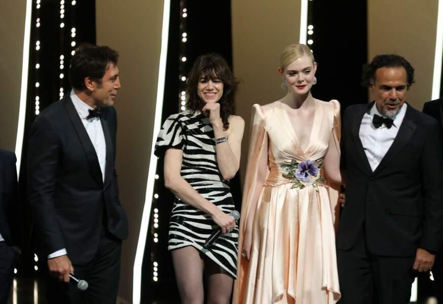 Les membres du jury, dont Elle Fanning et Alejandro Gonzalez Inarritu, président, les ont ensuite rejoints
