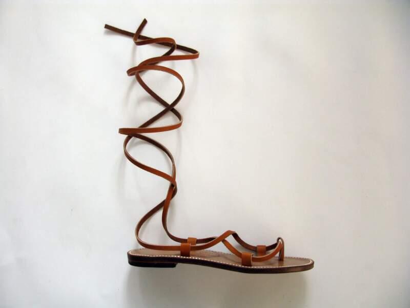 En cuir, cousues point sellier, 145 €, Rondini (boutique.rondini.fr).