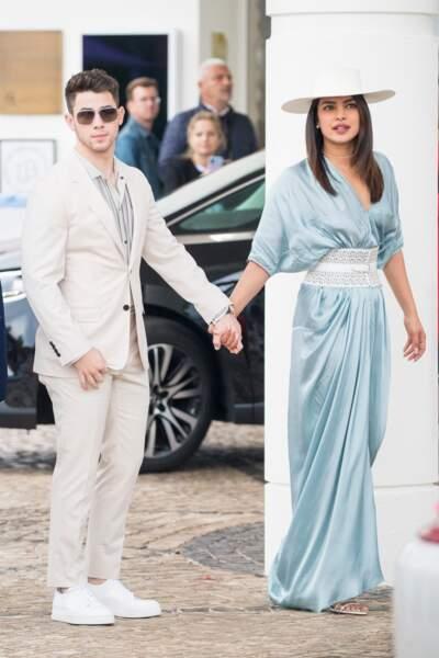 C'est main dans la main que Priyanka Chopra et Nick Jonas affrontent la foule