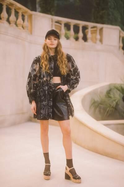 """Kristine Froseth de la série """"La Vérité sur l'affaire Quebert"""" sur TF1, a assisté au show Chanel Haute Couture."""