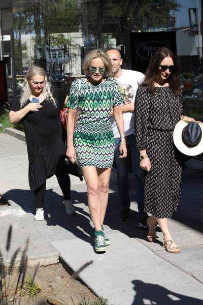 Sharon Stone aime alterner entre look chic et décontracté