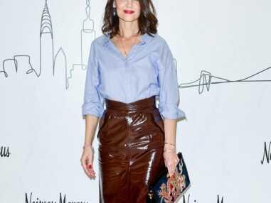 PHOTOS - Katie Holmes très sexy en jupe en cuir fendue dans les rues de New York