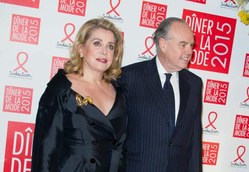 L'actrice Catherine Deneuve (bijoux Boucheron) et l'ancien ministre Frédéric Mitterrand