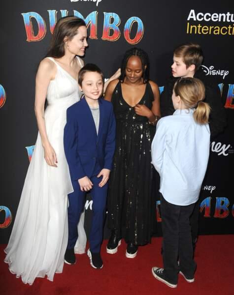 Zahara Jolie-Pitt fait de l'ombre à ses frères et soeurs présents ce soir-là, Shiloh, Vivienne et Know