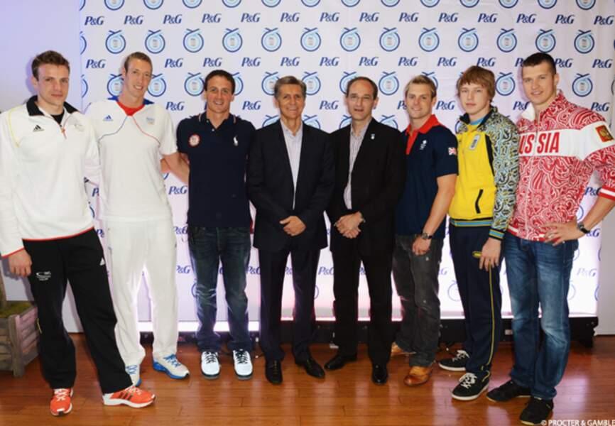 Autour de Patrice Louvet, les nageurs internationaux, tous ambassadeurs de la marque Gillette pour les JO. Parmi eu