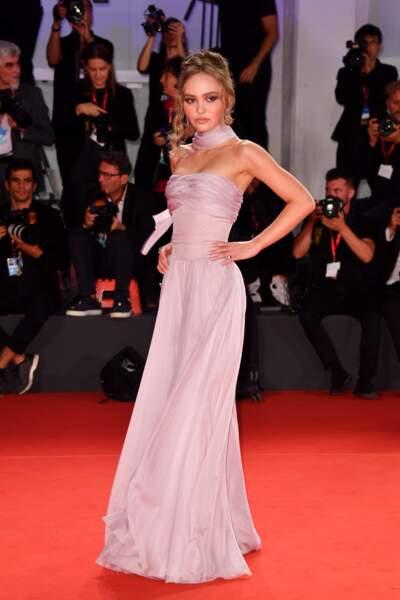Lily-Rose Depp en robe Chanel