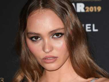 Lily-Rose Depp sexy en robe en dentelle à bretelles pour la soirée des Révélations des César