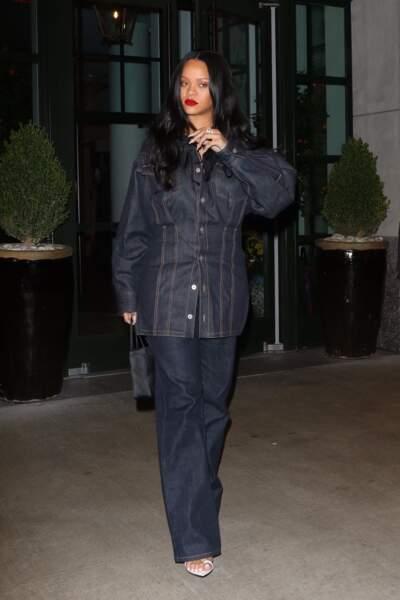 Un ensemble que Rihanna portait déjà le 16 avril 2019 en sorte de teasing