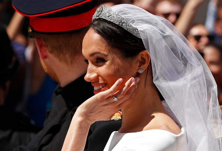 """Meghan, les ongles sobrement manucurés d'une teinte rose pâle (la nuance """"Ballet Slippers""""d'Essie) pour son mariage"""
