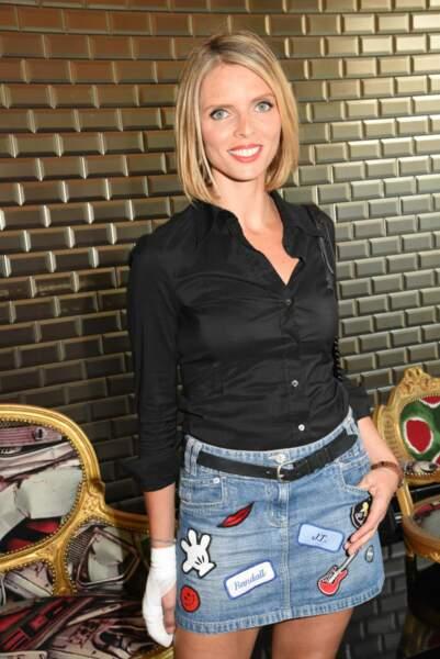 Sylvie Tellier, la bonne fée des Miss France a opté pour le casual blond californien