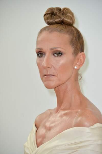 Le maxi bun bien net de Céline Dion.