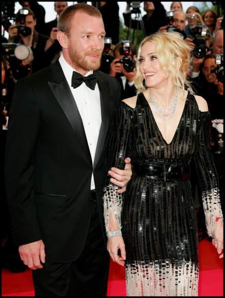"""Guy Ritchie et Mardonna lors de la montée des marches du film """"Che"""" à Cannes en 2008"""