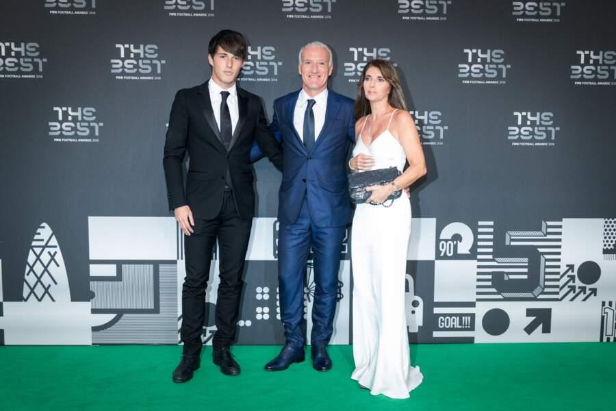Claude Deschamps a illuminé le green carpet de sa robe blanche lors de la soirée des trophées FIFA 2018