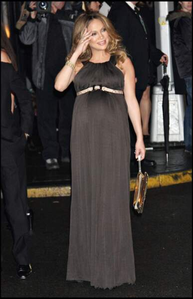 Jennifer Lopez très enceinte des jumeaux en 2008