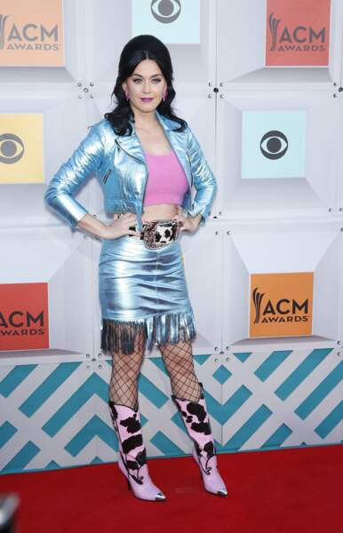 Katy Perry a voulu pimper le look cow-girl... A tort