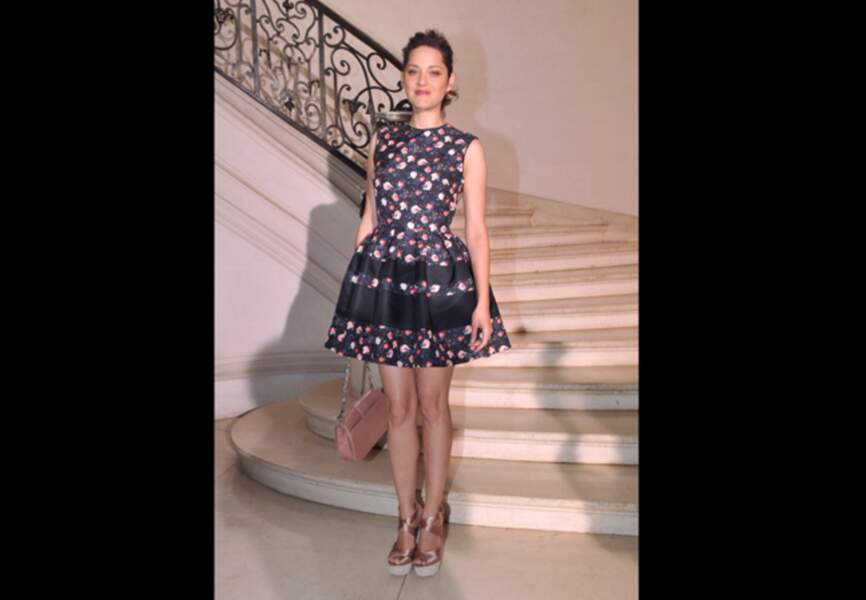 Marion Cotillard, rose ultrachic