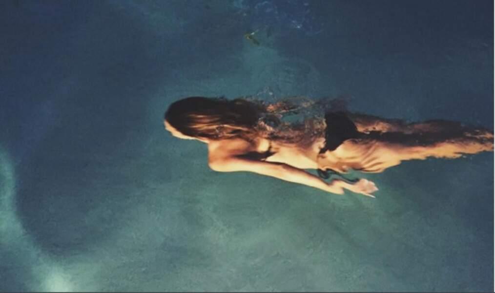 Halle Berry nage toujours en eaux claires.