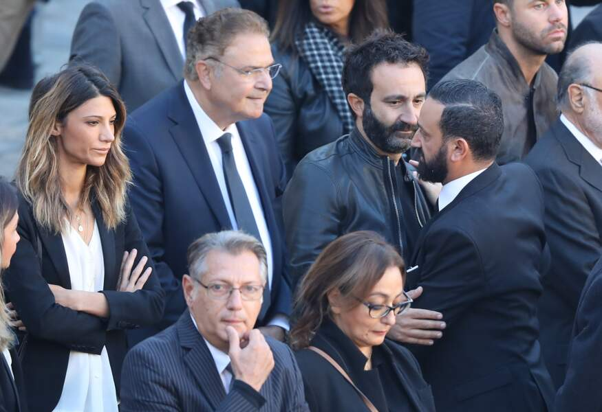 Mathieu Madénian et Cyril Hanouna lors de l'hommage national à Charles Aznavour