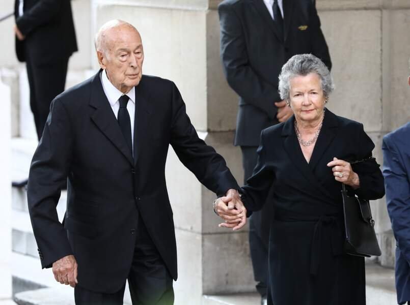 Valéry Giscard d'Estaing et sa femme Anne-Aymone - Sorties des obsèques de Liliane Bettencourt en l'église Saint-Pi