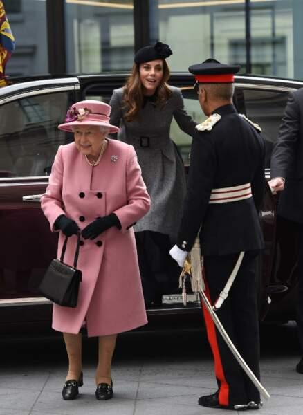 """Kate Middleton et Elizabeth II inaugurent la ré-ouverture de la """"Bush House"""", le 19 mars 2019"""