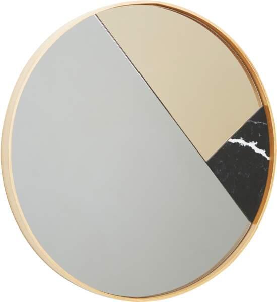 Miroir Kalós, en verre, effet marbre et hêtre naturel, Design Pierre Dubourg, à partir de 690 €, Monolithe Edition.