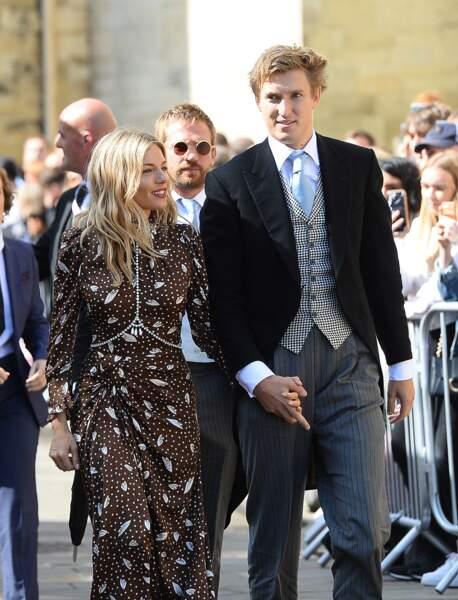 L'actrice Sienna Miller et son compagnon Lucas Zwirner au mariage d'Ellie Goulding, à Londres, le 31 août 2019.