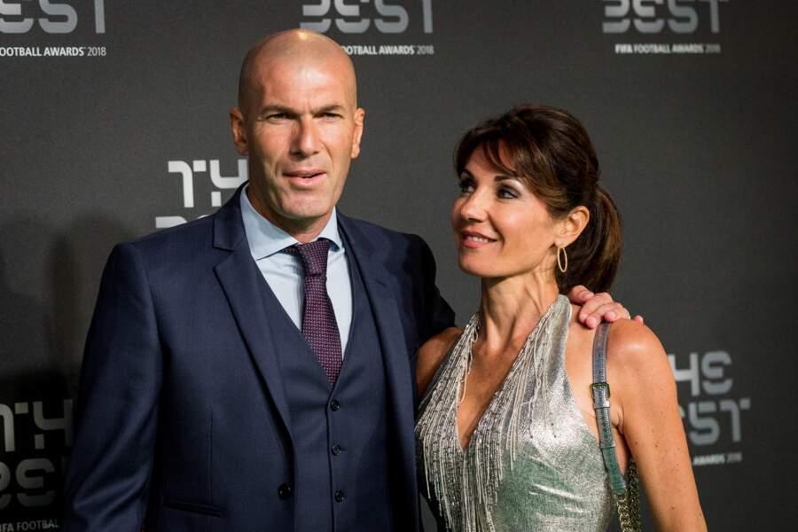 Véronique Zidane lance un tendre regard à son mari, Zinedine ce 24 septembre 2018