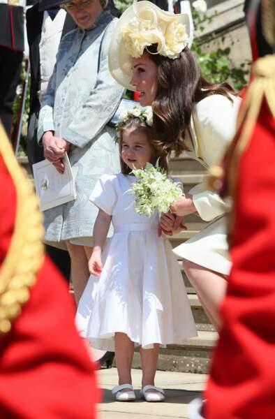 Charlotte, toujours main dans la main avec Kate Middleton