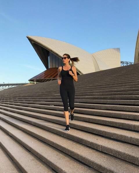 Le sport préféré de Cindy Crawford ? Monter et descendre des escaliers, à Sidney de préférence.
