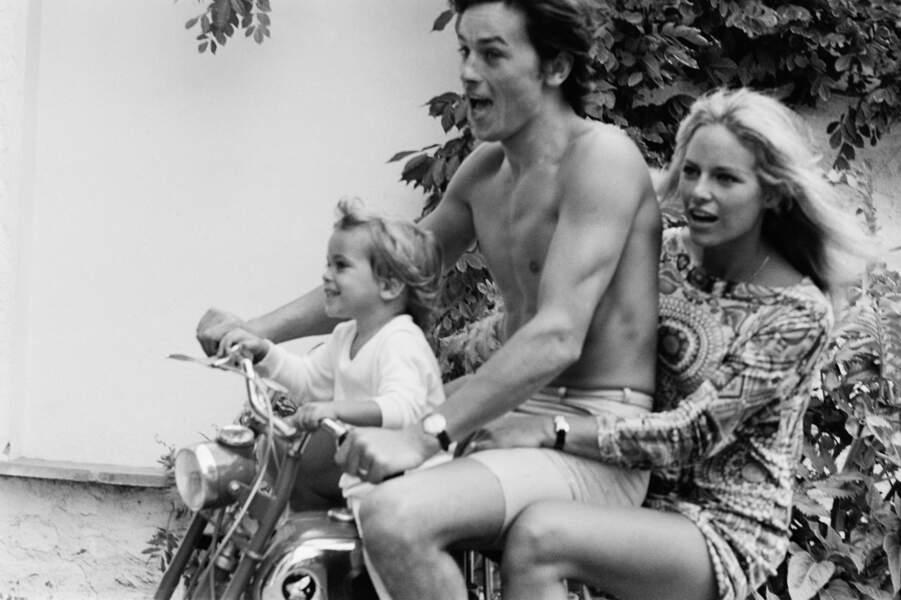 Alain, Nathalie et Anthony Delon 1966