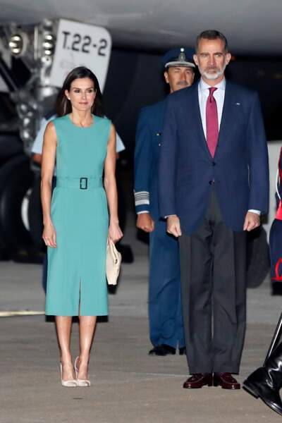 Letizia d'Espagne très élégante en Hugo Boss avec le roi Felipe VI à Buenos Aires le  25 mars 2019.