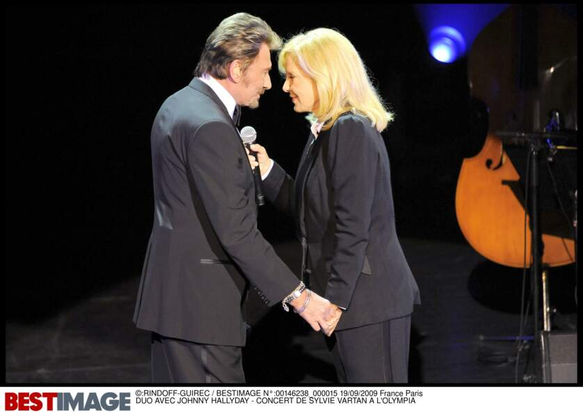 Johnny Hallyday et Sylvie Vartan en duo lors d'un concert de Sylvie Vartan à l'Olympia en 2009