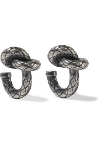 Boucles d'oreilles argentées oxydées, Bottega Veneta, 220€