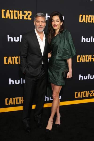 """George et Amal Clooney étaient présents à l'avant-première de la nouvelle série """"Catch-22"""" à Hollywood"""